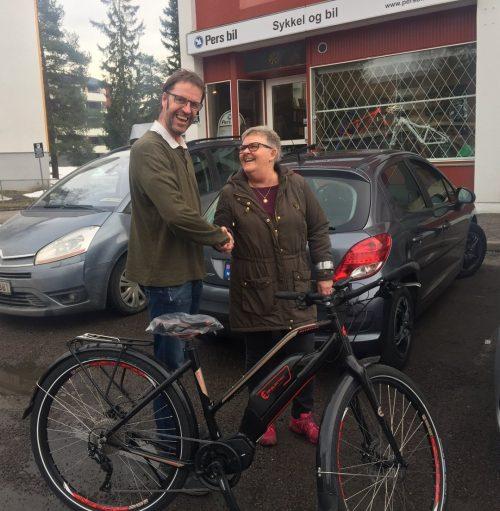 Grete (61) byttet bilen mot elsykkel og blir transportsyklist